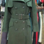 Loden, un manteau long de couleur verte
